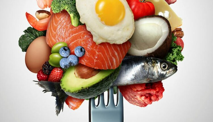 پرسیدن این سؤال بسیار مهم است: آیا رژیم غذایی کتو برایمان مناسب است؟ رویآوردن به آن، ما را دچار مشکلات و عوارض نمیکند؟